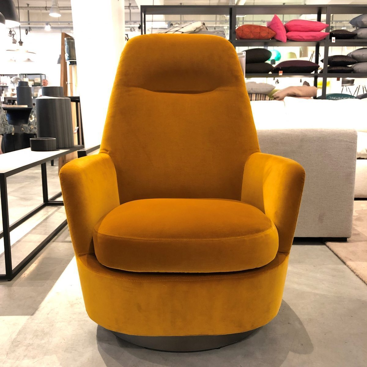 mathes-outlet-produkte-sessel-minotti
